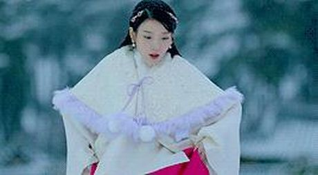 7 tinh tiet kinh dien trong Moon Lovers duoc 'xao lai' tu Bo Bo Kinh Tam - Anh 5