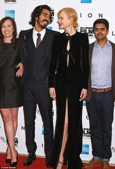 Nicole Kidman boi roi vi dien vay xe sau - Anh 4