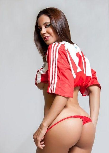 Quat nga Argentina, Paraguay duoc sieu mau 'thuong nong' - Anh 7