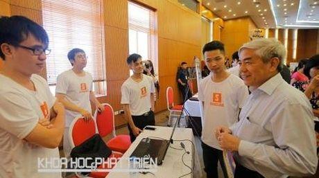 Nguyen Bo truong Nguyen Quan vao chung ket Giai thuong Lanh dao Chinh sach Quoc gia - Anh 1