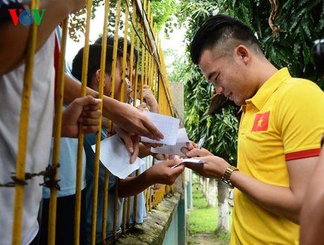 DT Viet Nam den tham lang tre SOS truoc ngay sang Han Quoc - Anh 1