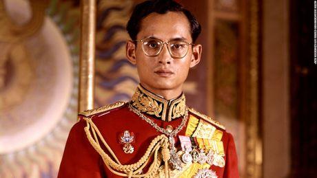 Vi sao tuong linh phai quy phuc truoc vua Thai Lan? - Anh 2