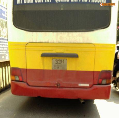 Xe bus 'du' dai nao Ha Noi thach thuc luc luong chuc nang - Anh 4