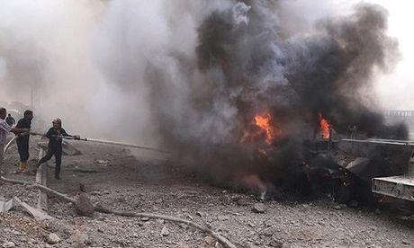Danh bom xe kinh hoang o Syria, hang chuc nguoi thiet mang - Anh 1