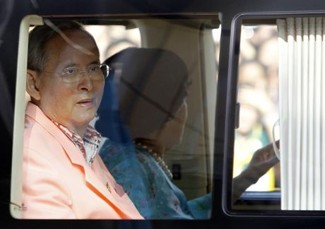 Nhung hinh anh dang nho ve Quoc vuong Thai Lan Bhumibol Adulyadej - Anh 10
