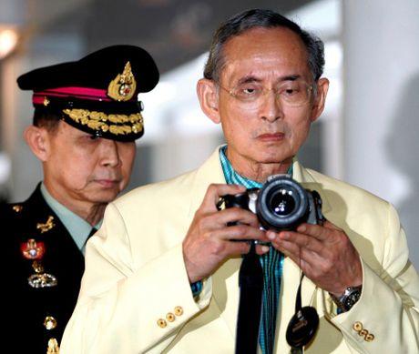 Nhung hinh anh dang nho ve Quoc vuong Thai Lan Bhumibol Adulyadej - Anh 12