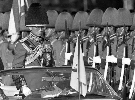 Nhung hinh anh dang nho ve Quoc vuong Thai Lan Bhumibol Adulyadej - Anh 7