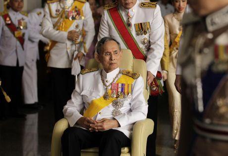 Nhung hinh anh dang nho ve Quoc vuong Thai Lan Bhumibol Adulyadej - Anh 8