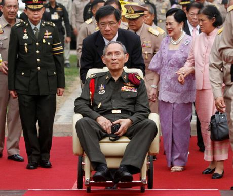 Nhung hinh anh dang nho ve Quoc vuong Thai Lan Bhumibol Adulyadej - Anh 9