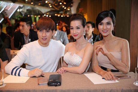 Nguyen Vu 'noi ban bat' giua tham do Mai Vang - Anh 2