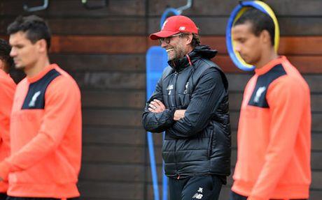 Gerrard dot ngot ve Liverpool, tham muu dau MU - Anh 5