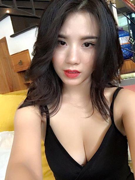 Tiet muc Linh Miu bieu dien lo nguc gia 300 tram nghin, bi cam dien o Quang Ninh - Anh 1