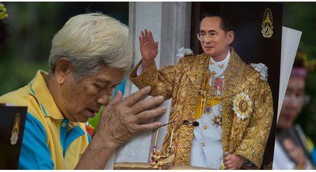 Nhin nhung gi vua Bhumibol Adultedej lam moi hieu vi sao nguoi Thai lai dau long den the - Anh 1