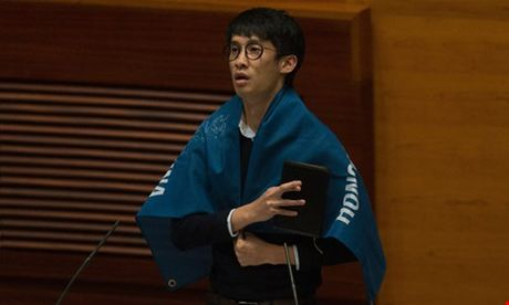 Hai nghi si Hong Kong chong Trung Quoc bi ham doa 'xu ly' - Anh 2