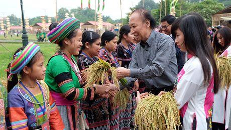 Chinh thuc khai mac khu trung bay Festival Ao dai Ha Noi 2016 - Anh 2