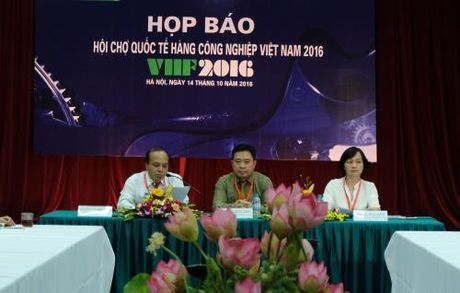 Hon 200 doanh nghiep tham gia Hoi cho quoc te hang cong nghiep Viet Nam 2016 - Anh 1