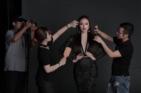 Mai Ngo - Lilly Nguyen: 'Ky phung dich thu' trong show thoi trang duoc mong doi nhat thang 10 - Anh 4