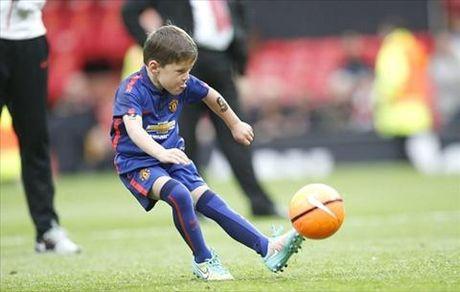 Toi luot Ibrahimovic cho 2 con trai gia nhap doi tre M.U - Anh 2