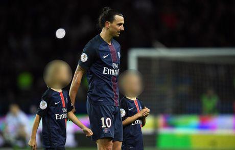 Ibrahimovic gui quy tu den lo dao tao tre cua MU - Anh 1