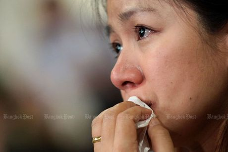 Vua Thai Lan bang ha, nguoi dan khoc tiec thuong - Anh 11