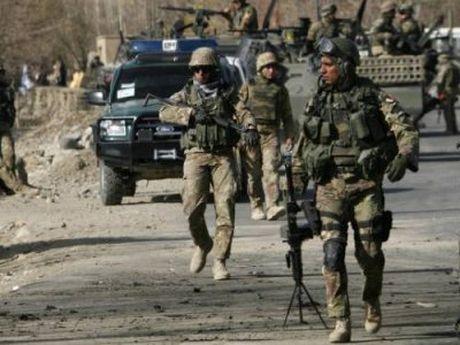 Italy gui binh sy tham gia phai bo NATO 'khong phai nham vao Nga' - Anh 1