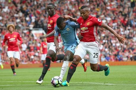 Mourinho va chang Tourmalet chong gai cua Quy do - Anh 2