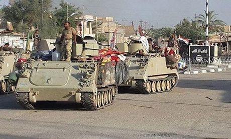Hinh anh quan doi Iraq tuan tra vung Al-Bakr sau giai phong - Anh 3