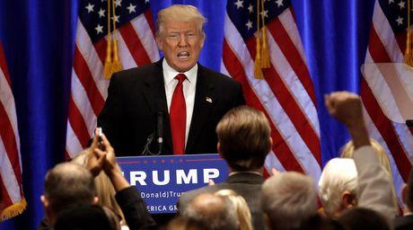 Trump co the hau toa vi bi to hiep be gai 13 tuoi - Anh 1