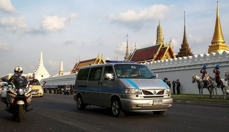 Tuong thuat tu Bangkok: Nguoi Thai tiec thuong nha vua - Anh 1