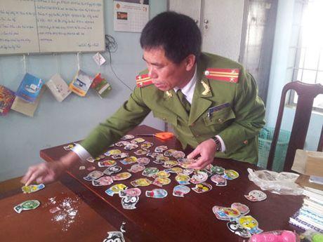 Hon 30 hoc sinh tieu hoc ngat xiu nghi do ngui do choi Trung Quoc - Anh 1