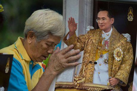 Diem vui choi Thai Lan dong cua mot thang khi vua qua doi - Anh 1
