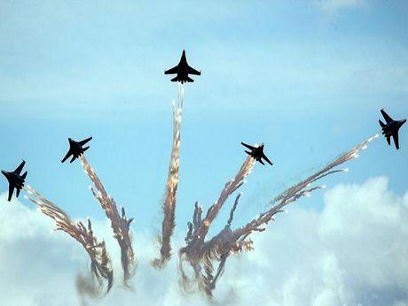 Doi 'Hiep sy Nga' nhan 4 chiec Su-30SM hien dai - Anh 1
