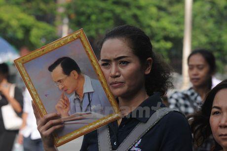 Nha vua Thai Lan bang ha: Nhung hinh anh kho quen - Anh 1