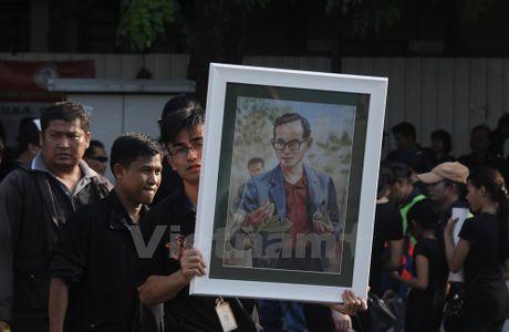 Nha vua Thai Lan bang ha: Nhung hinh anh kho quen - Anh 3
