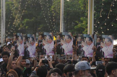 Nha vua Thai Lan bang ha: Nhung hinh anh kho quen - Anh 5
