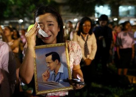 Hang chuc trieu dan Thai thuong tiec Vua Bhumibol Adulyadej - Anh 2