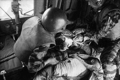 Chum anh: Mot ngay dam mau cua linh My trong chien tranh Viet Nam - Anh 17