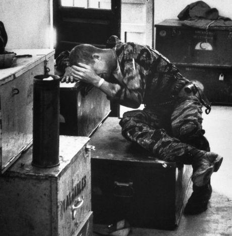 Chum anh: Mot ngay dam mau cua linh My trong chien tranh Viet Nam - Anh 23