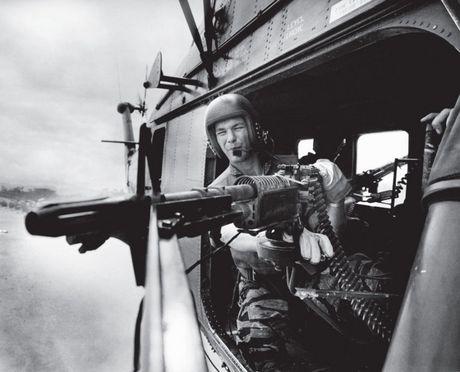 Chum anh: Mot ngay dam mau cua linh My trong chien tranh Viet Nam - Anh 9