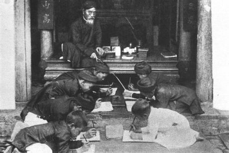 Chuyen chu Nho va 'mu ao' (1) - Anh 1