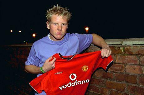 Hoc tro cu to Alex Ferguson dung 'muu hen, ke ban' de giup con trai kiem chac - Anh 1