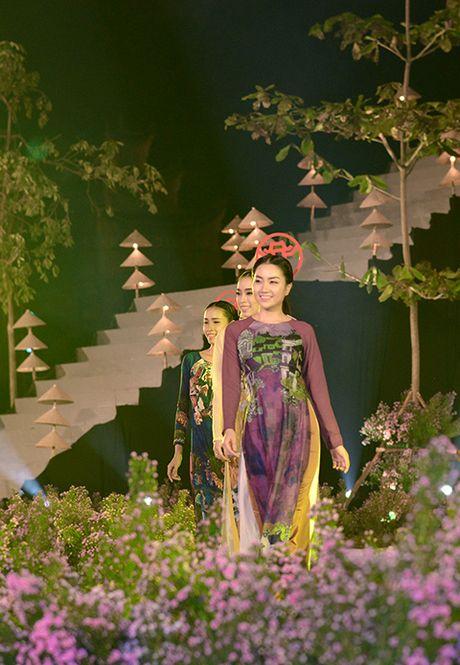 'Ni co Huyen Trang' tai xuat tai Le hoi Ao dai Ha Noi - Anh 4