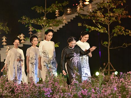 'Ni co Huyen Trang' tai xuat tai Le hoi Ao dai Ha Noi - Anh 6