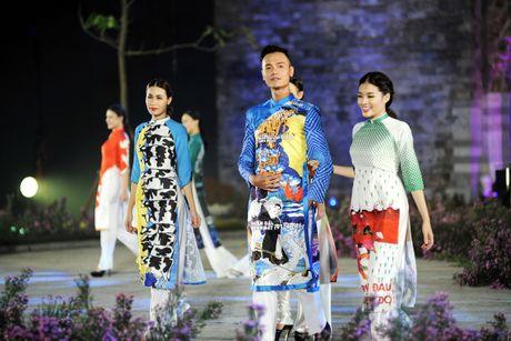 Hoang thanh lung linh trong dem khai mac Festival ao dai Ha Noi - Anh 9
