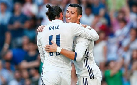 Real Betis vs Real Madrid: Ronaldo se 'cuu' Zidane? - Anh 2