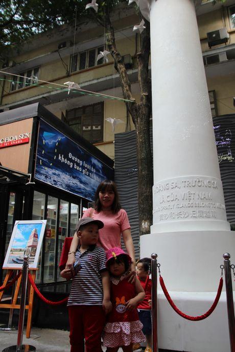 Trien lam 'Truong Sa - Noi ta den' den voi nguoi dan phuong Nam - Anh 14