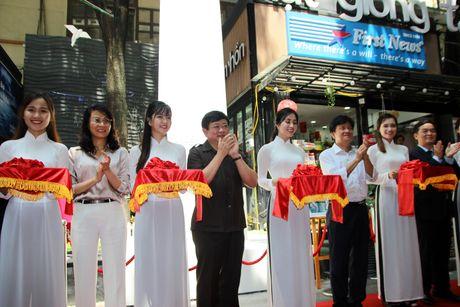Trien lam 'Truong Sa - Noi ta den' den voi nguoi dan phuong Nam - Anh 6