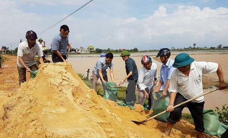 Quang Binh: Mua lu keo dai lam vo de tai huyen Bo Trach - Anh 2