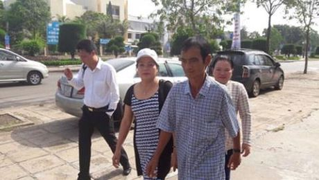 Vu Huynh Van Nen: Chenh lech cuc lon tien boi thuong - Anh 1