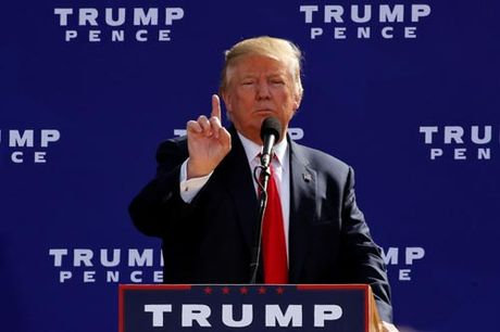 Trump doi ba Clinton thu ma tuy, nghi dung chat kich thich - Anh 1